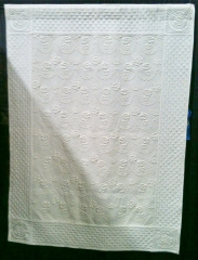 I love traditional white quilts - alas, they would never stay white in my house.