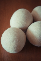 Natural dryer balls
