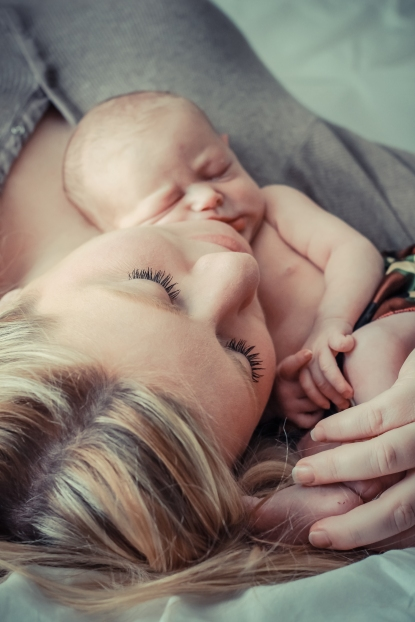 Wait a minute, this might be my favorite picture!  This photo captures Bethany's beauty and Brynn's adorableness.  I love that I was able to capture this cuddle time.